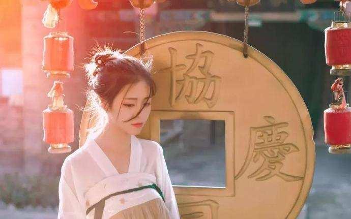 陆白温柔的说道,做我的新娘,我能够替你复仇......