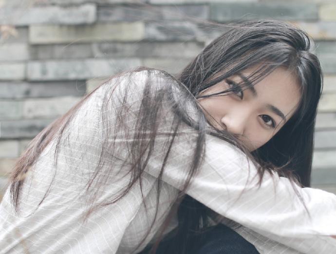 顾枫找了个高冷女总裁当老婆,从此人生反翻天覆地的变化……