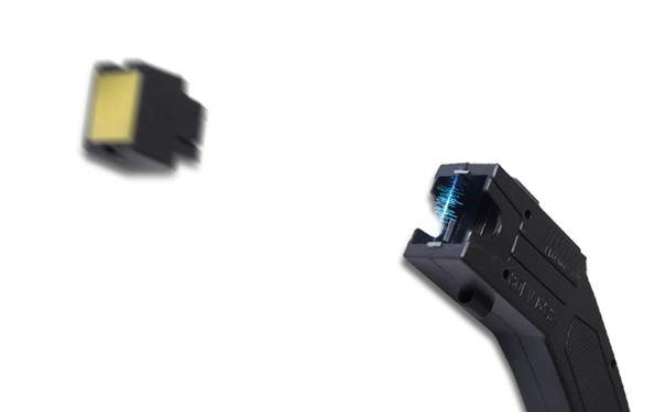 远程催泪弹电击枪